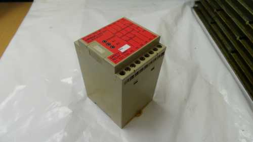 Omron G9S-301 Safety Relay Unit