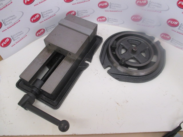 160mm Machine Vice With Swivelling Base - Very Good Condition