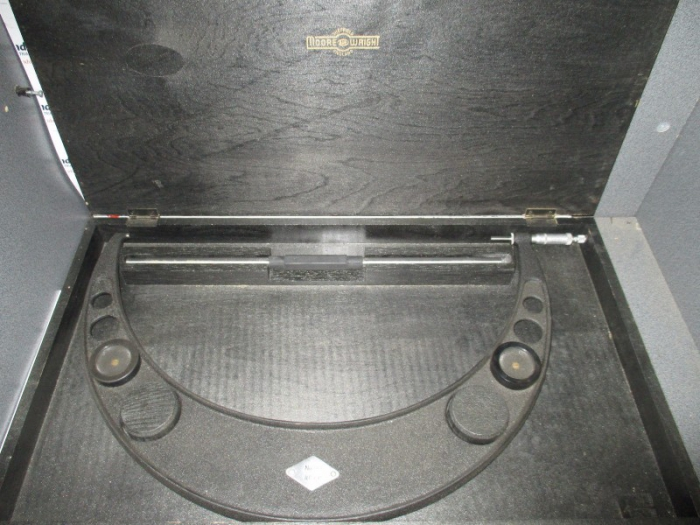 "Moore & Wright No.971 18""-19"" Micrometer - Very Good Conditon In Box"